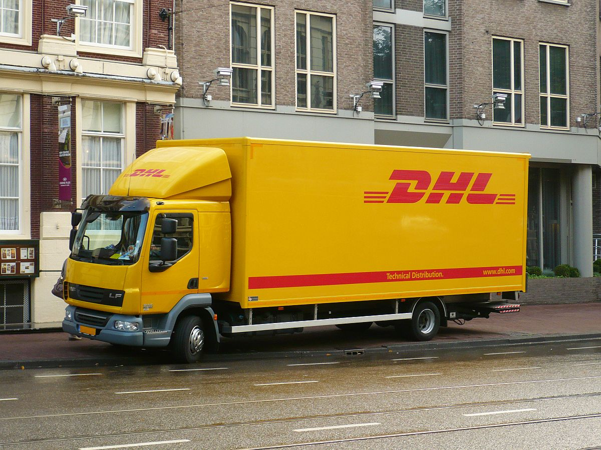 daf lf baujahr 2011 der firma dhl amsterdam niederlande 24 09 2014 fahrzeuge. Black Bedroom Furniture Sets. Home Design Ideas